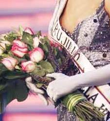 beauty pagent sash and roses